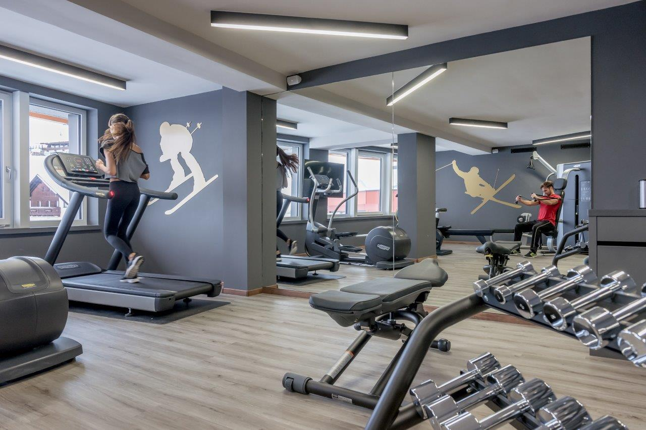 Fitnessraum hotel  Fitnessraum im Skiurlaub im 4* Superior Hotel Enzian • Hochsölden