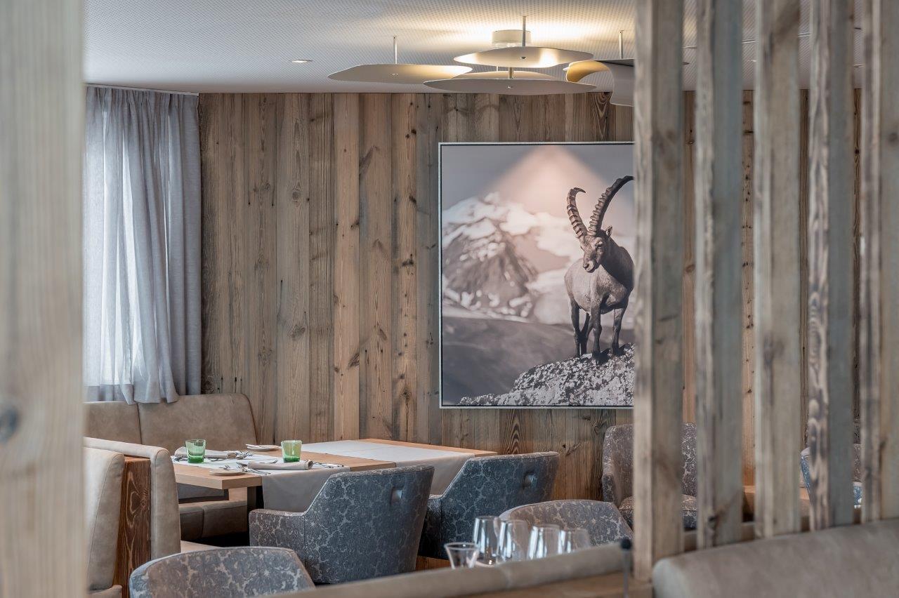 Zimmer im alpinen design im 4 superior hotel enzian for Design hotels skiurlaub